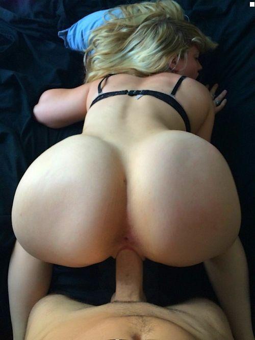 nude suprise butt sex
